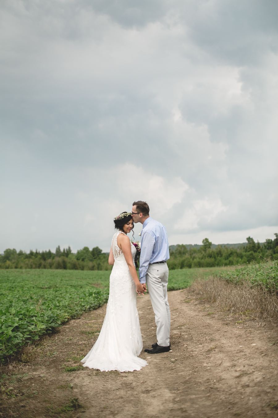 south pond farms, south pond farms wedding photographer, ontario wedding photographer, wedding photographers in ontario, peterborough ontario wedding photographer, best wedding photographer ontario