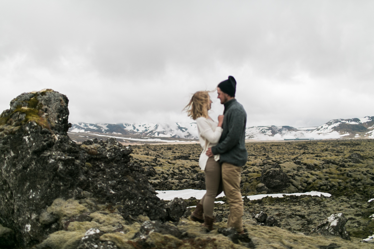 iceland couples photo golden circle