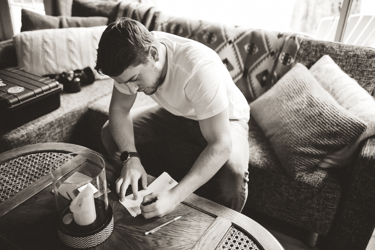 sunshinecoastelopement-groom writing vows
