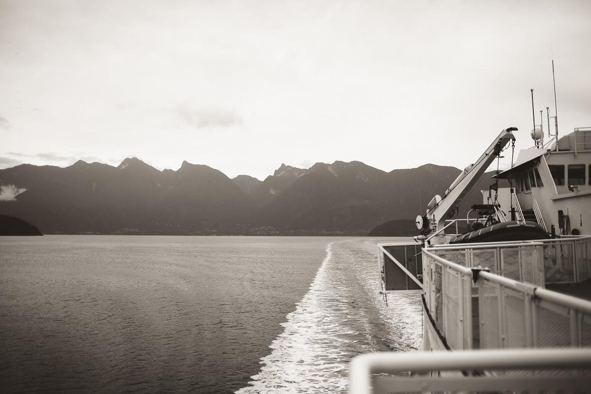 sunshinecoastelopement-ferry ride