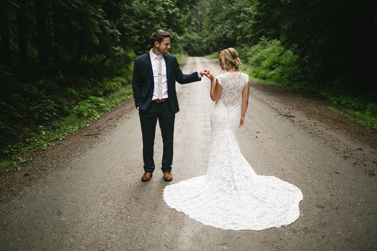 sunshine coast elopement-bride and groom dirt road