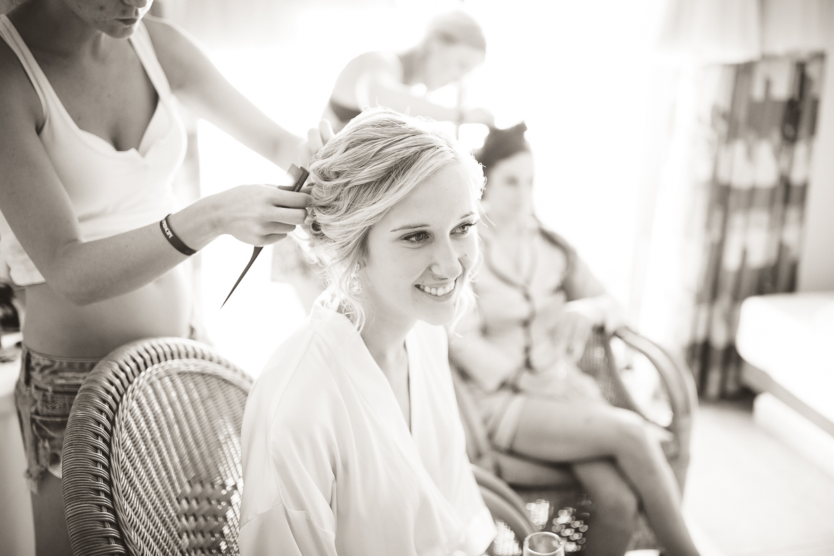 girls getting ready mexico wedding photographer