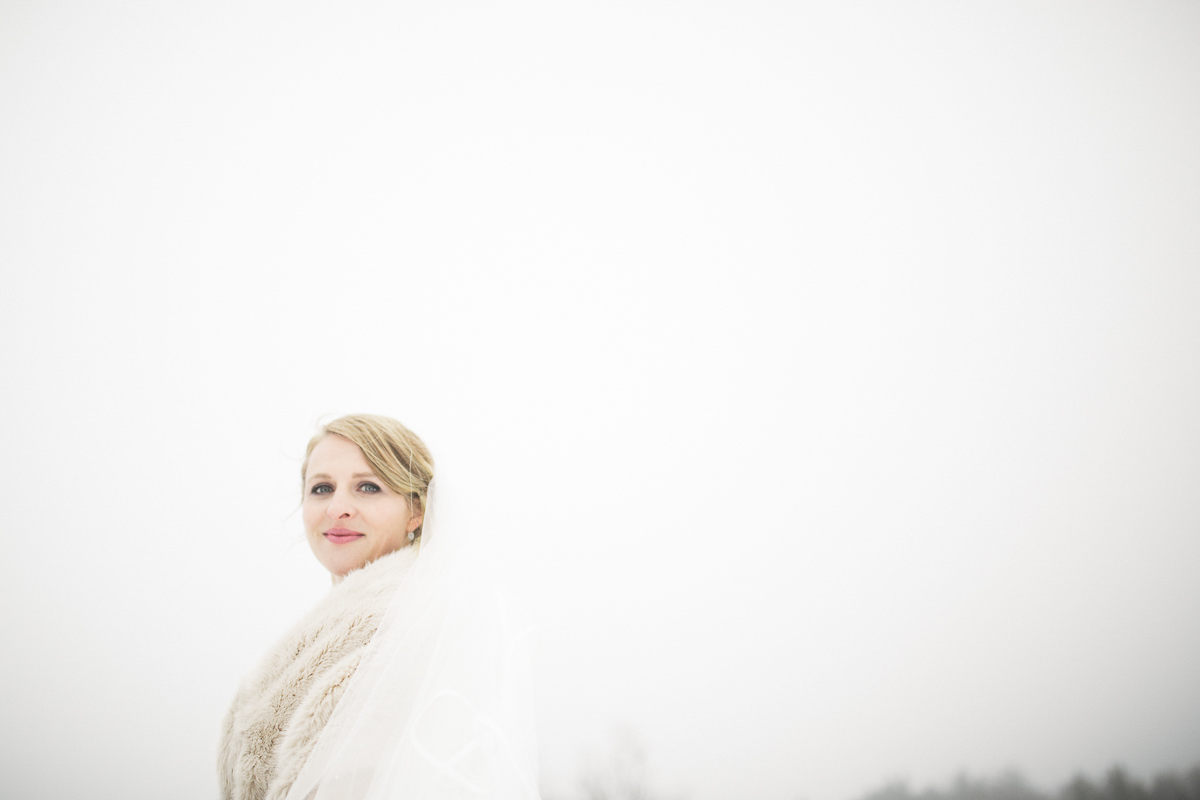 winter wedding photographer porthope