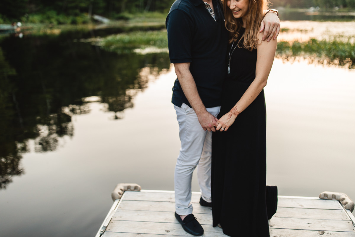 COTTAGE ENGAGEMENT SESSION