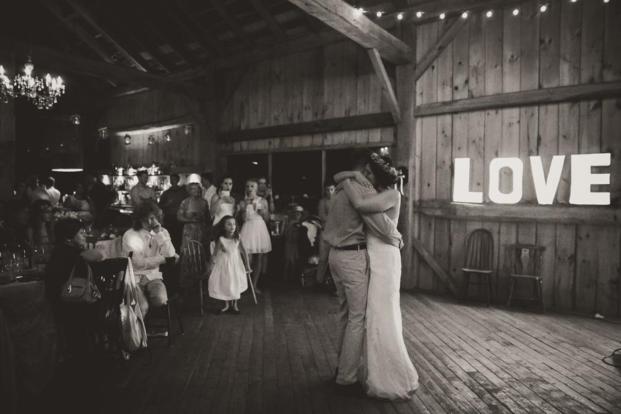 south pond farms, south pond farms wedding photographer, ontario wedding photographer, wedding photographers in ontario, peterborough ontario wedding photographer, best wedding photographer ontario