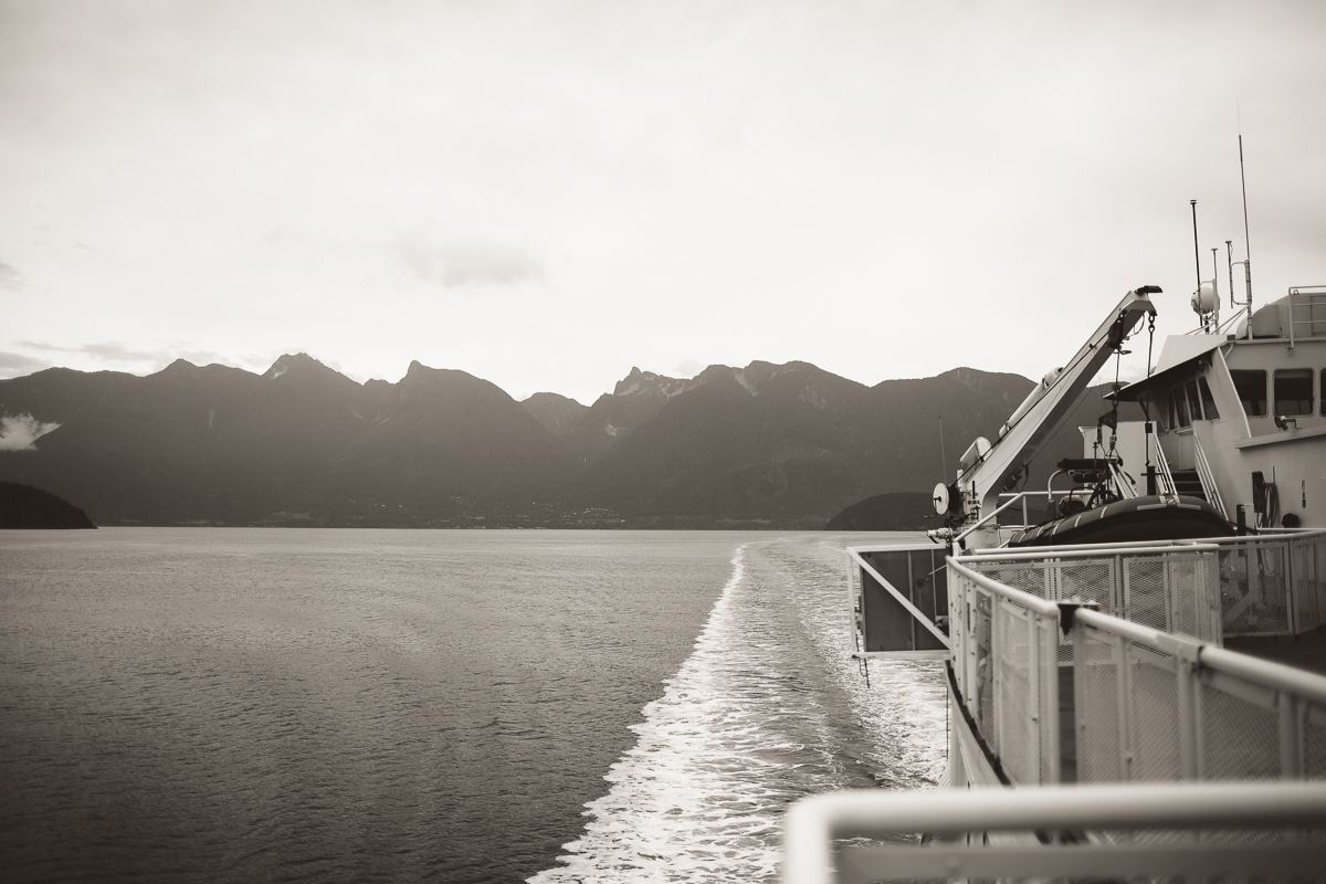 sunshinecoastelopement-ferry ride