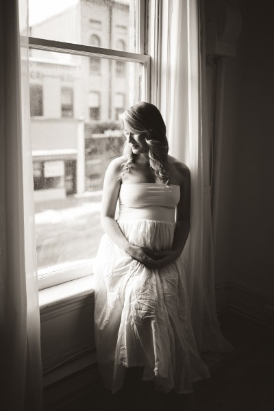 maternity photographer peterborough ontario