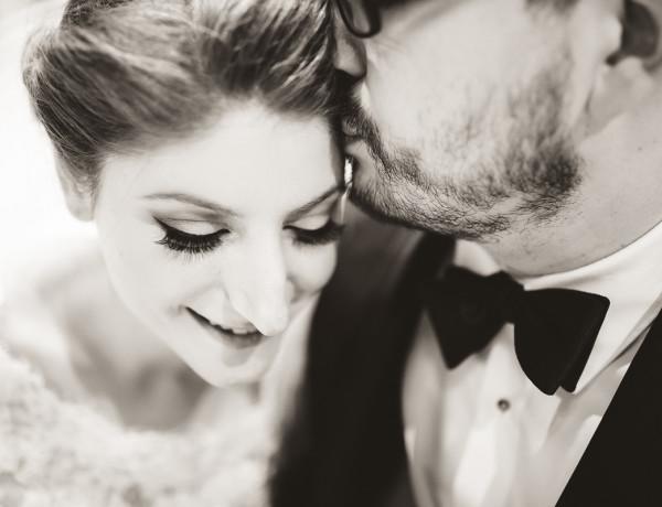 bride and groom shaarei shomayim toronto