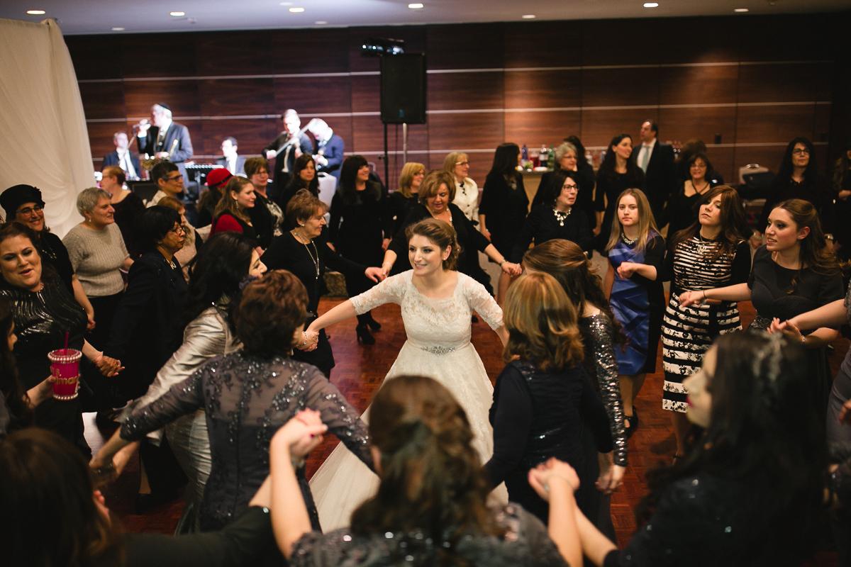 horah dance share shomayim toronto