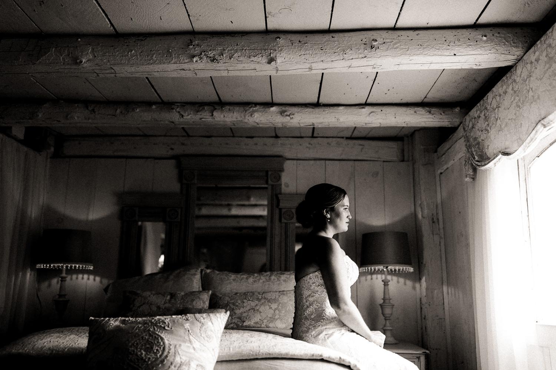 century barn bridal suite